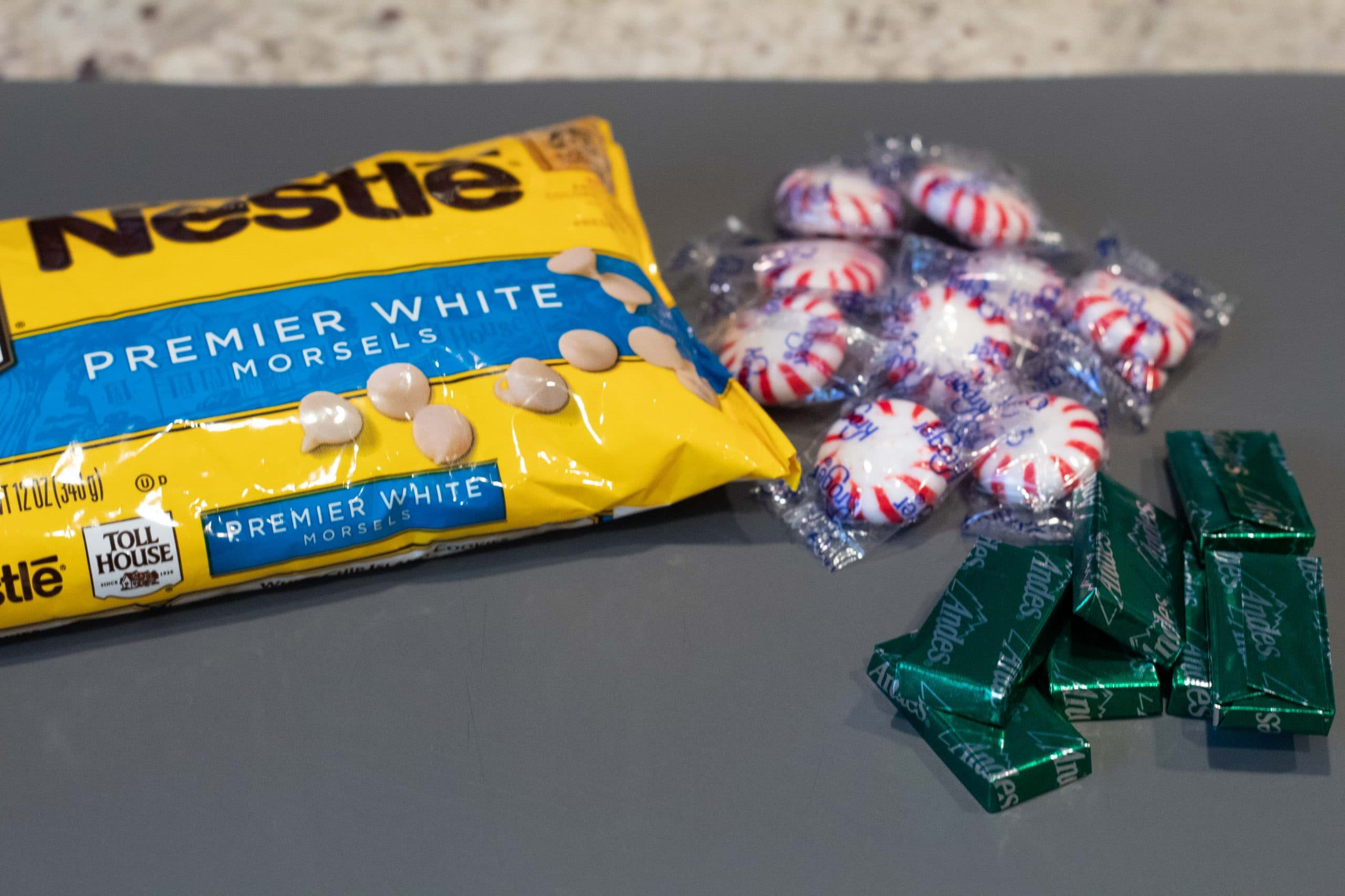 Image of white chocolate and mints.